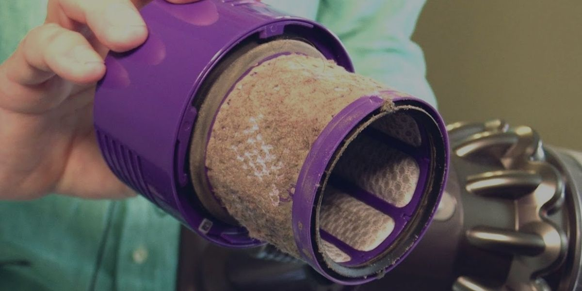 How to Clean a Dyson Vacuum_ (1)